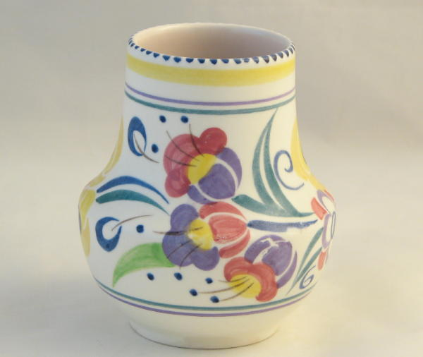 Poole Pottery Hand Painted Small Traditional Vase In The Yo Pattern