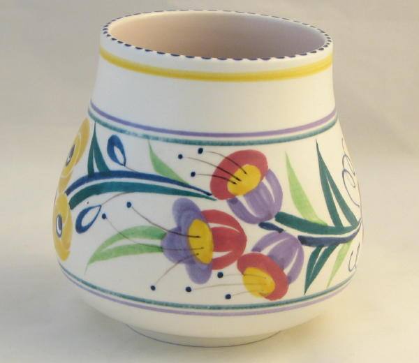 Poole Pottery Hand Painted Traditional Vase In The Yo Pattern Fuschia