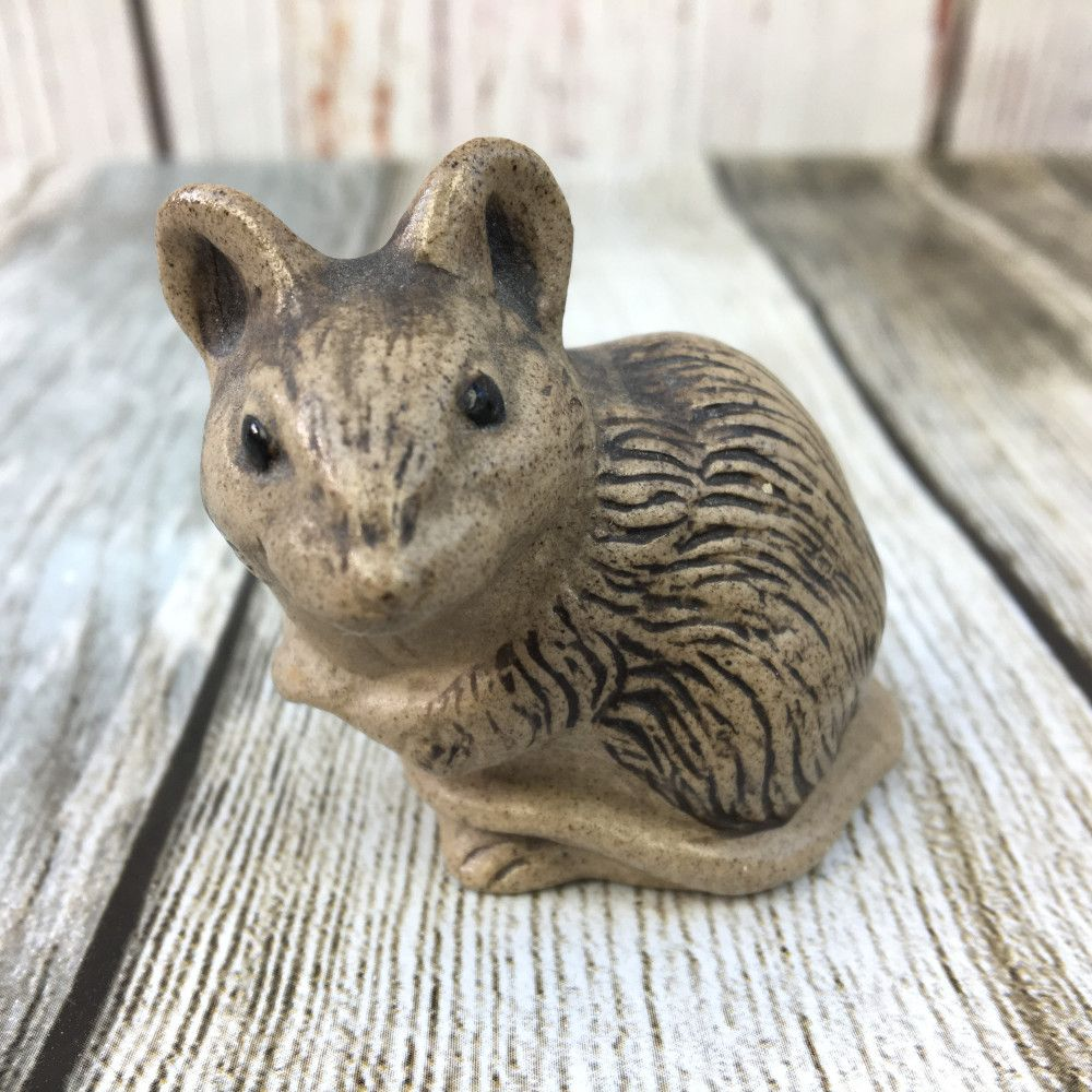 Poole Pottery Stoneware, Mouse Sitting