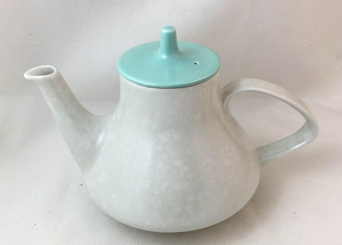 Poole Pottery Twintone Ice Green and Seagull Teapot, 1.5 Pints