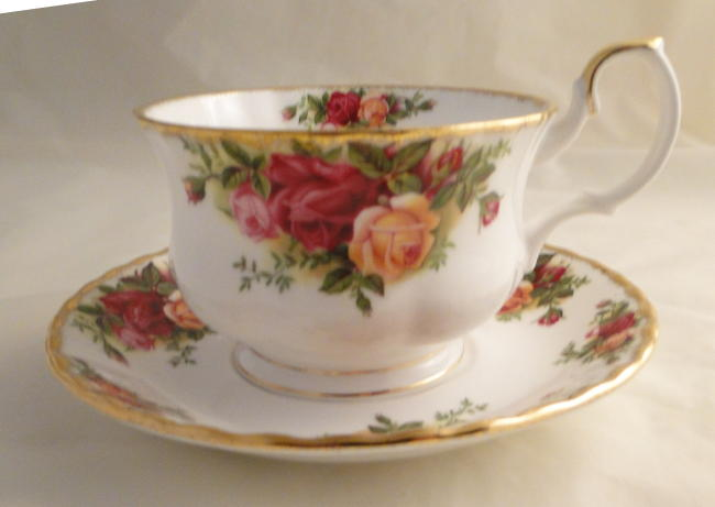 Royal Albert Old Country Roses Breakfast Cups And Saucers
